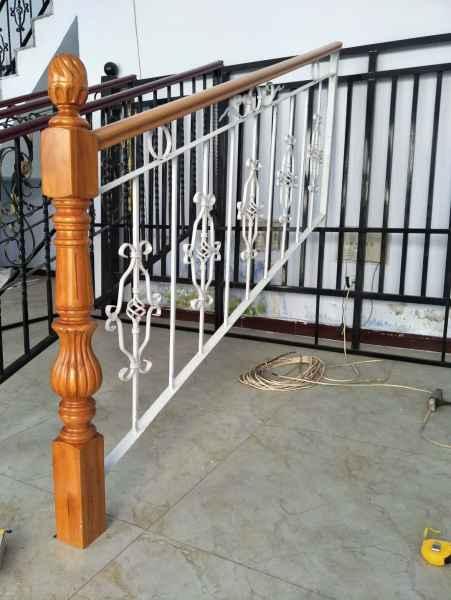 辽宁铁艺楼梯,定做铁艺楼梯